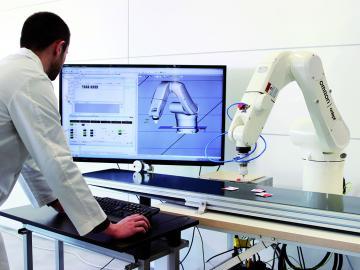 ROBOT INDUSTRIALE